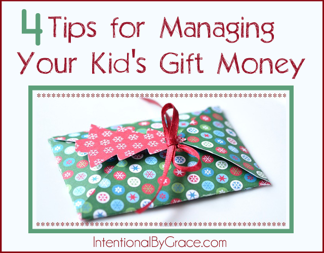 I never thought about managing my kid's gift money, but I'm loving these four tips to get started.