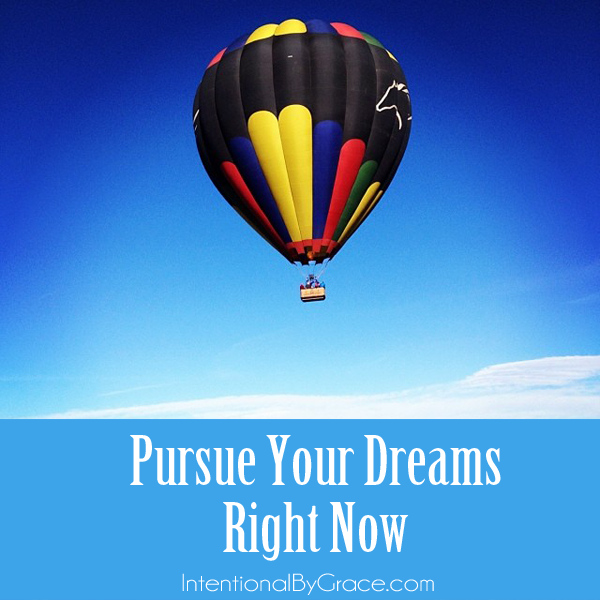 4 tips to pursue your dreams right now_edited-1