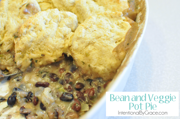 recipe for bean and veggie pot pie #easymeal #frugal #recipe
