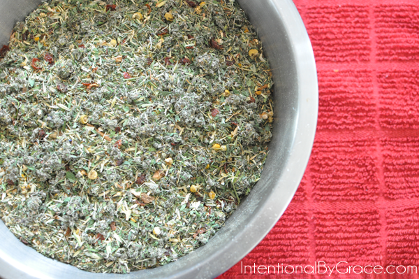 Make your own herbal tincture! Plus a Nursing Mama Tincture recipe!