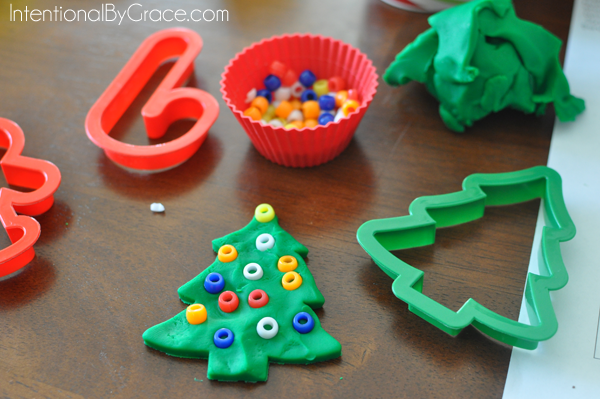 christmas tree play dough activity for toddlers
