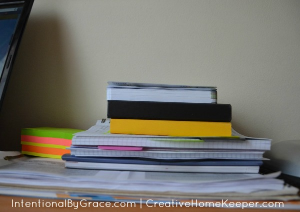 5 things to do daily to keep clutter at bay and keep your home clean and organized. | IntentionalByGrace.com