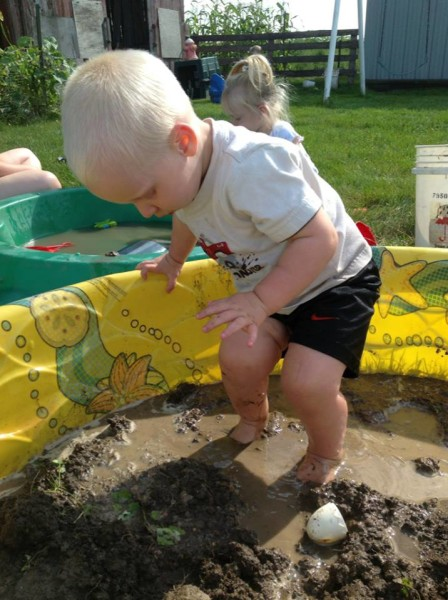 how to have a mud party play date, a fun messy party for kids!