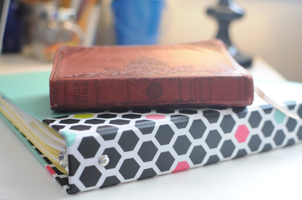 How to Make a Prayer Notebook!