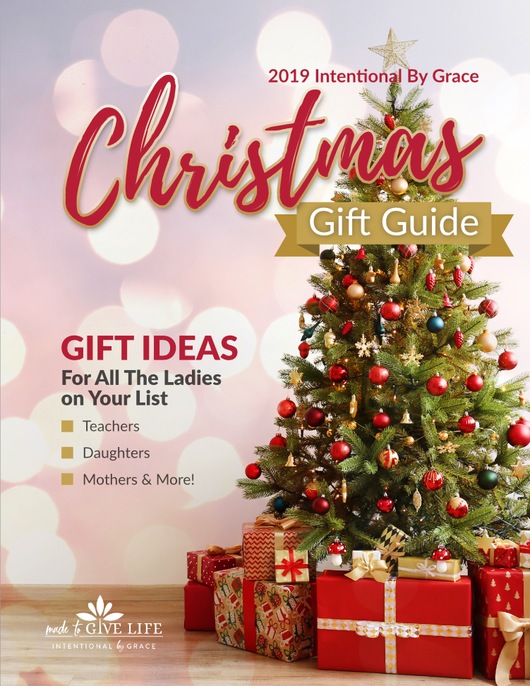 2019 Christmas Gift Guide - Gift ideas for all the ladies on your list! | IntentionalByGrace.com